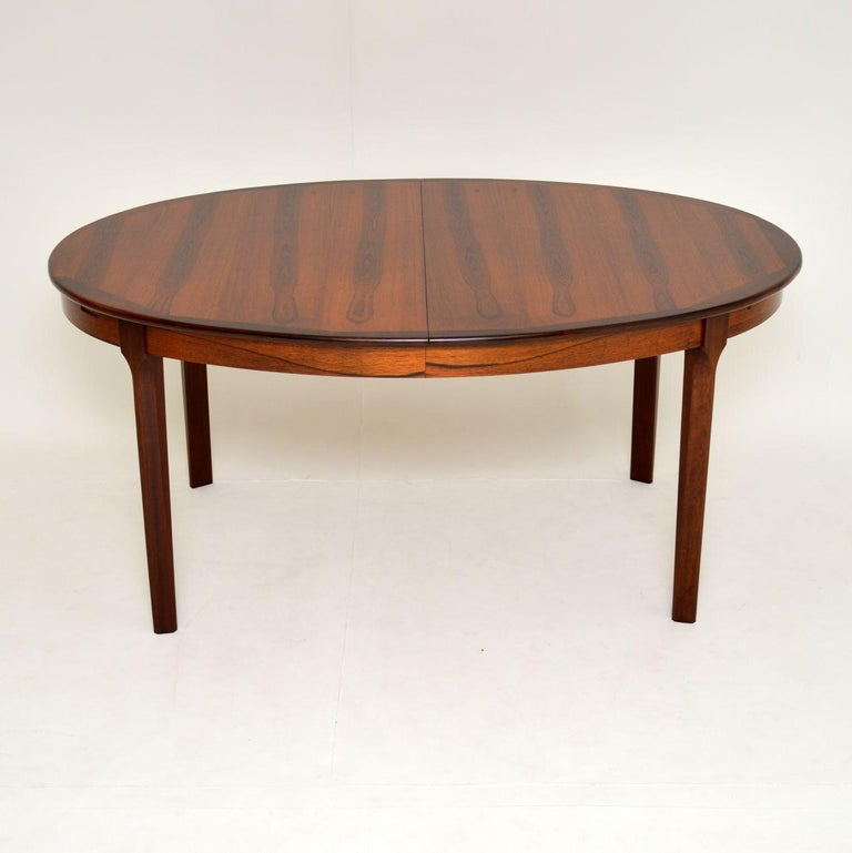 1960s Danish Extending Dining Table In Good Condition For Sale In London, GB