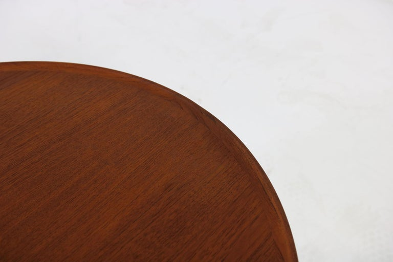 Mid-20th Century 1960s Danish Modern Round Tripod Teak Coffee Table Mid-Century Modern Design For Sale