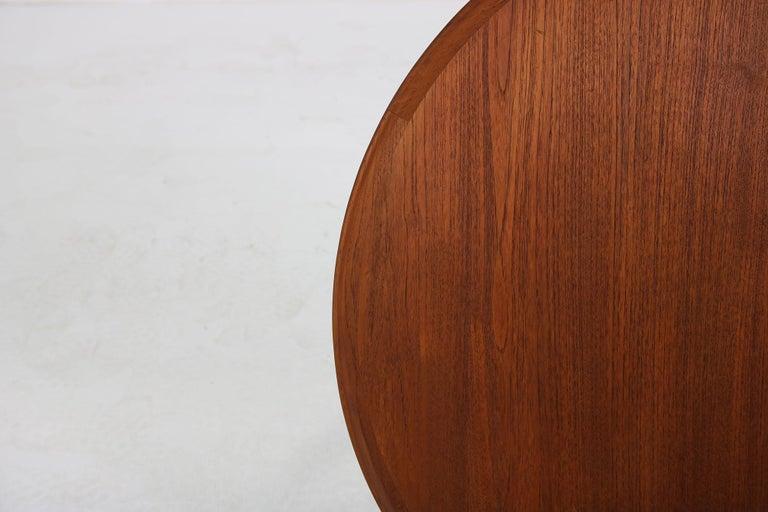 Leather 1960s Danish Modern Round Tripod Teak Coffee Table Mid-Century Modern Design For Sale