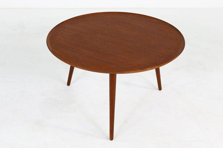 1960s Danish Modern Round Tripod Teak Coffee Table Mid-Century Modern Design For Sale 2