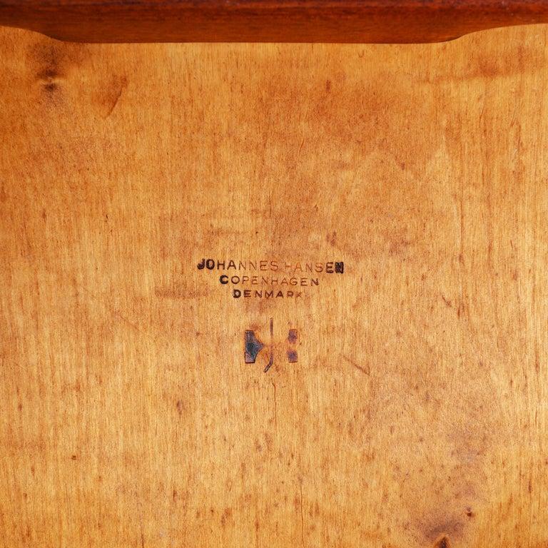 1960s Danish Oak Dining Chairs by Hans J. Wegner for Johannes Hansen For Sale 2