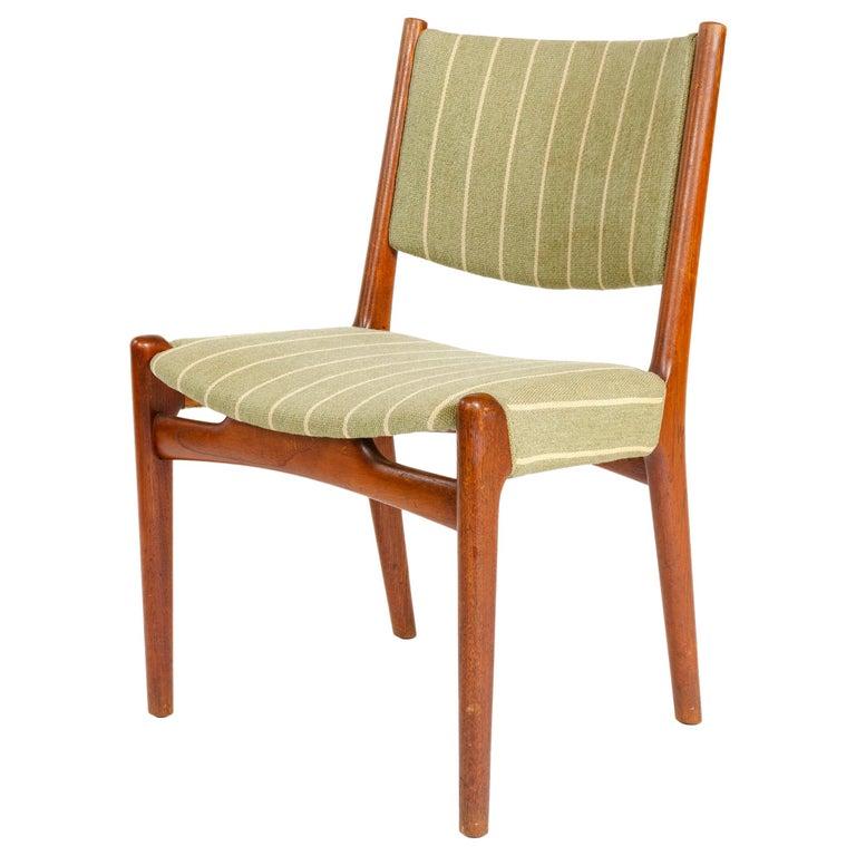 1960s Danish Oak Dining Chairs by Hans J. Wegner for Johannes Hansen For Sale