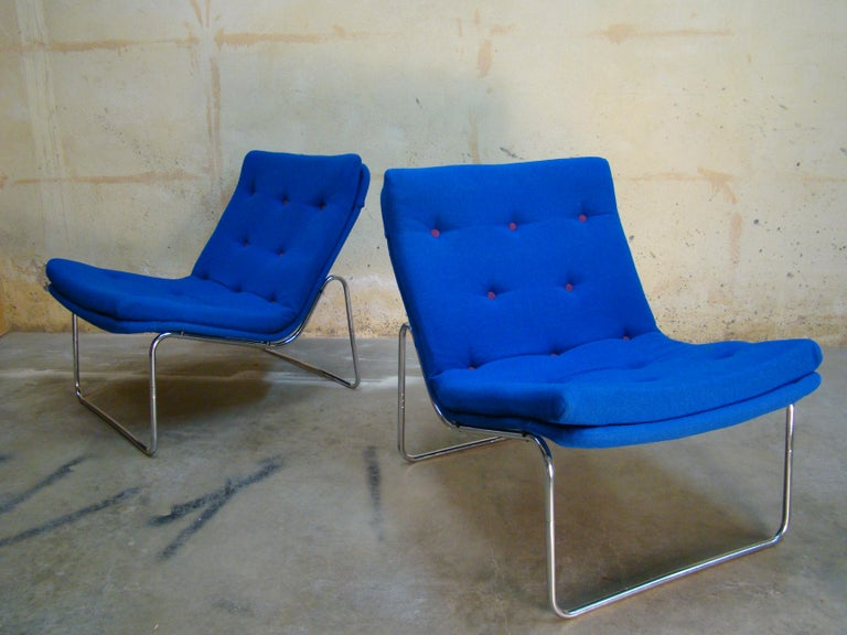 Mid-20th Century 1960s Danish Pair of Tubular Chrome Lounge Chairs in Primary Blue Wool For Sale