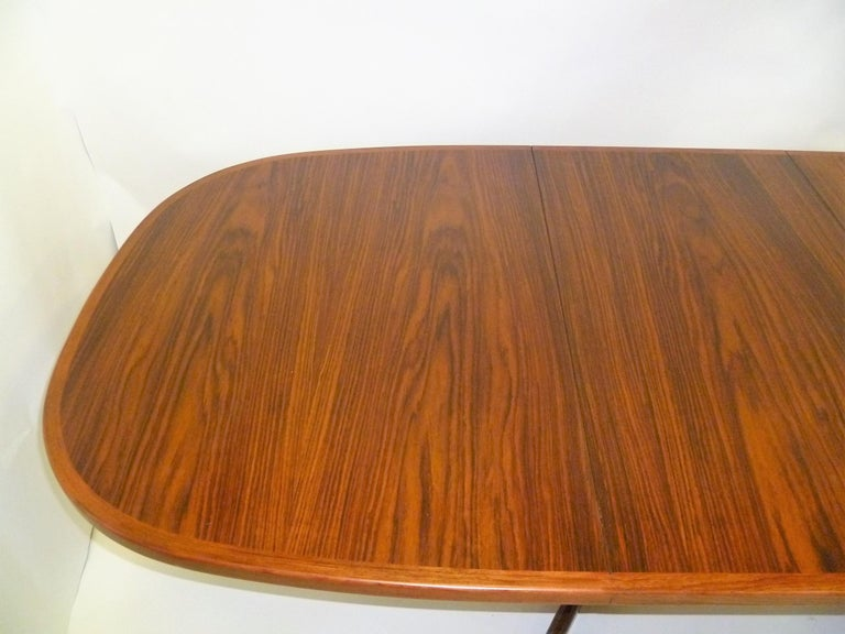 1960s Danish Rosewood Dining Table by Gudme Møbelfabrik For Sale 4
