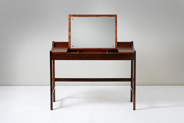 Scandinavian Modern 1960s Danish Rosewood Dressing Table For Sale