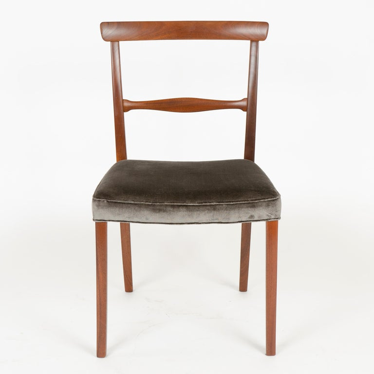 Scandinavian Modern 1960s Danish Set of 6 Dining Chairs by Ole Wanscher for A.J. Iversen For Sale