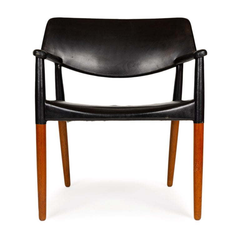 Scandinavian Modern 1960s Danish Teak Armchair by Ejner Larsen & Aksel Bender Madsen for Willy Beck For Sale