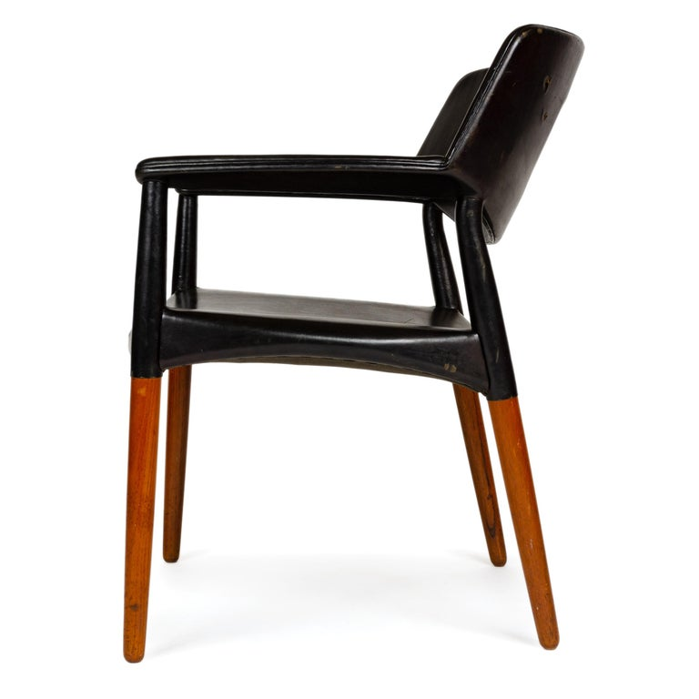 1960s Danish Teak Armchair by Ejner Larsen & Aksel Bender Madsen for Willy Beck In Good Condition For Sale In Sagaponack, NY