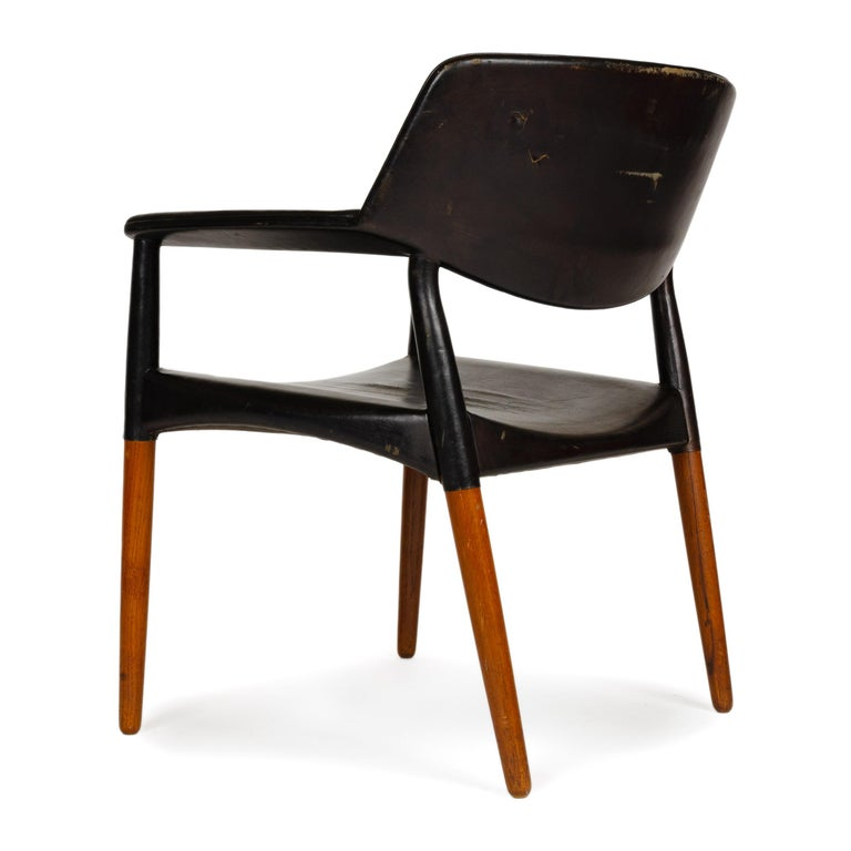 Mid-20th Century 1960s Danish Teak Armchair by Ejner Larsen & Aksel Bender Madsen for Willy Beck For Sale