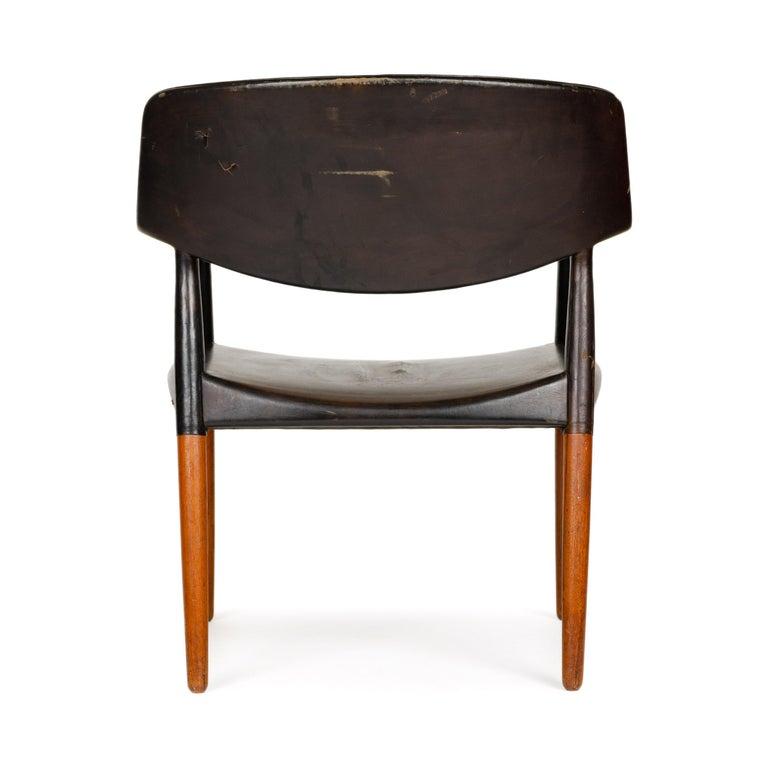 Leather 1960s Danish Teak Armchair by Ejner Larsen & Aksel Bender Madsen for Willy Beck For Sale