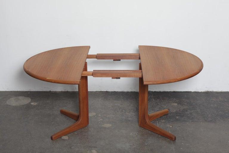 1960s Danish Teak Round Pedestal Dining Table at 1stdibs