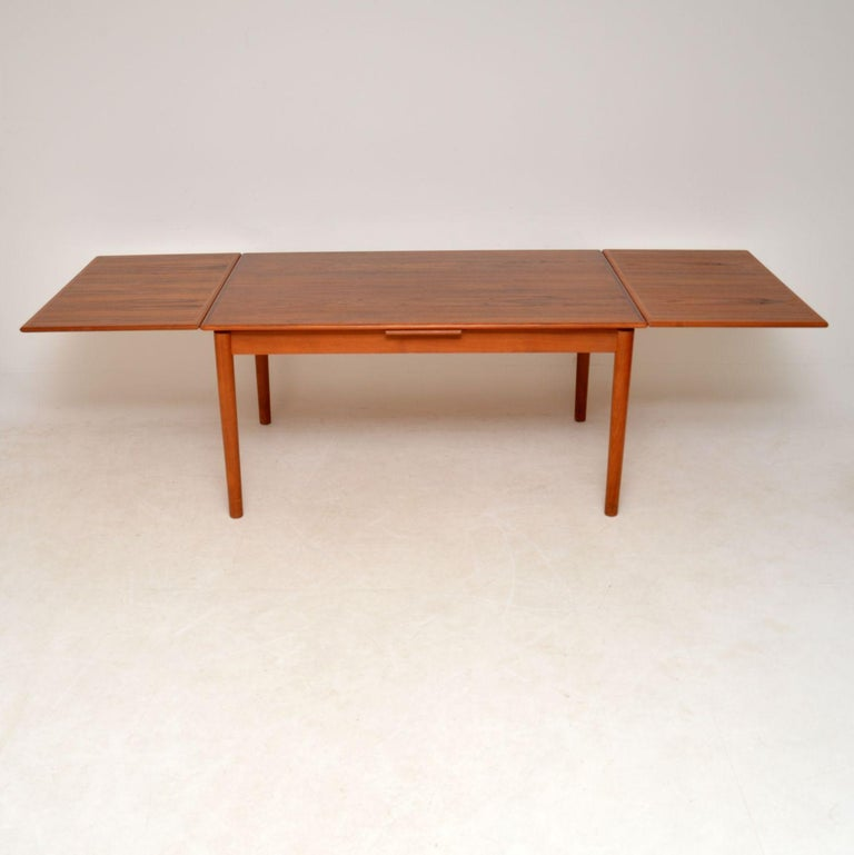 1960s Danish Teak Vintage Dining Table In Good Condition For Sale In London, GB
