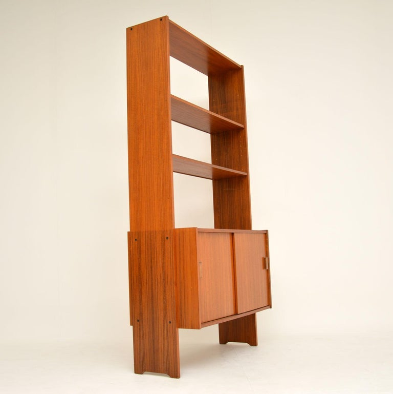 1960s Danish Vintage Teak Bookcase In Good Condition For Sale In London, GB