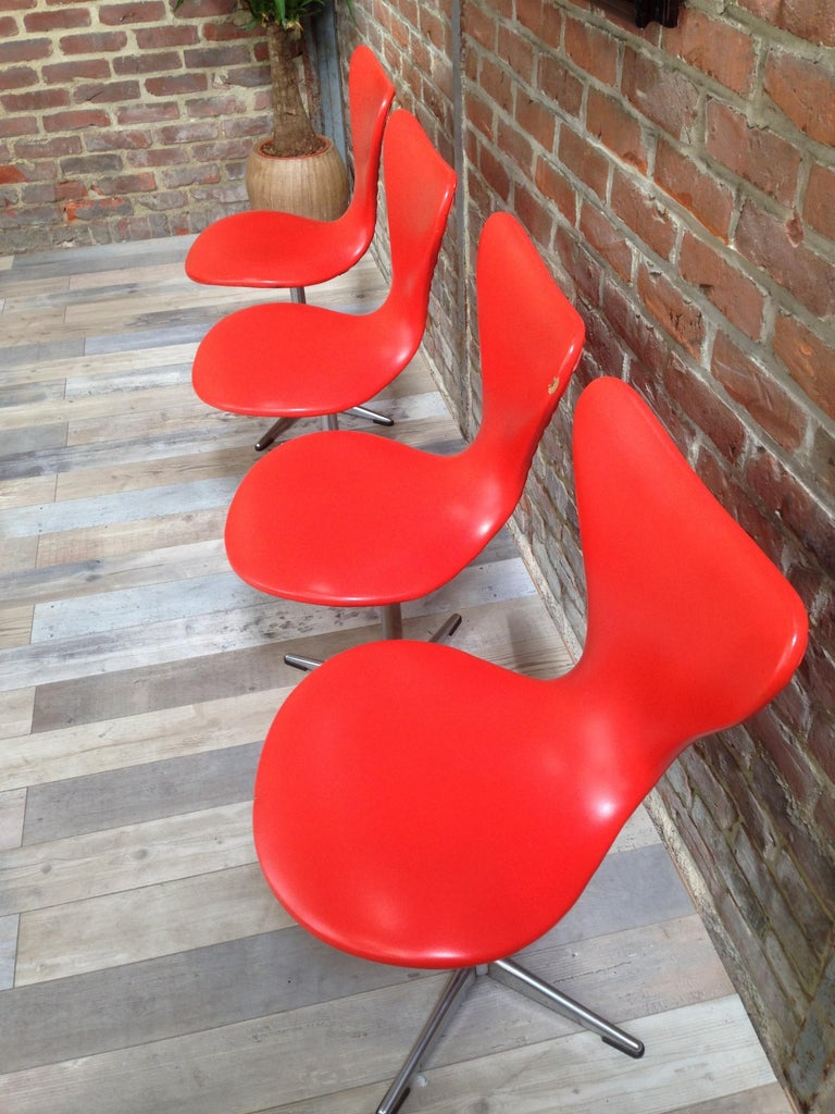 1960s Design Orange and Swivel Set of 4 Chairs For Sale 3