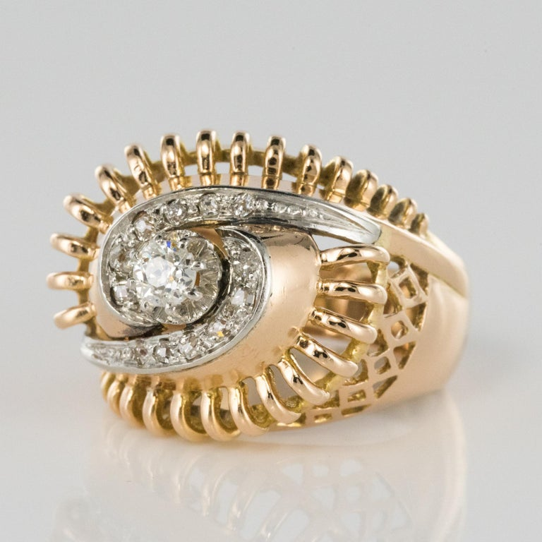 Round Cut 1960s Diamond 18 Karat Yellow Gold Retro Swirl Ring For Sale