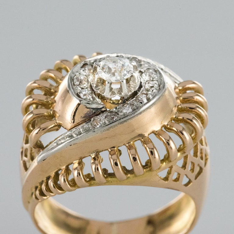 1960s Diamond 18 Karat Yellow Gold Retro Swirl Ring For Sale 2