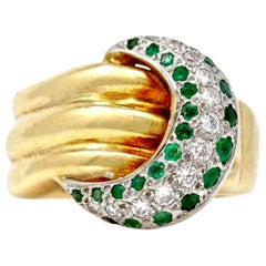 1960s Diamond and Emerald Crescent Duo-Tone 18 Karat Gold Ring