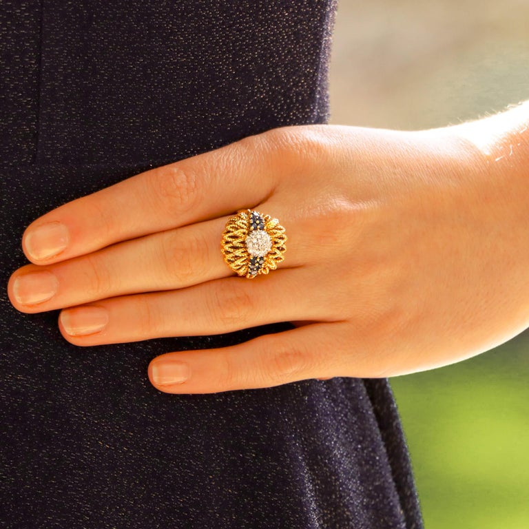 Retro 1960s Diamond and Sapphire Floral Cocktail Bombe Ring Set in 18 Karat Gold For Sale