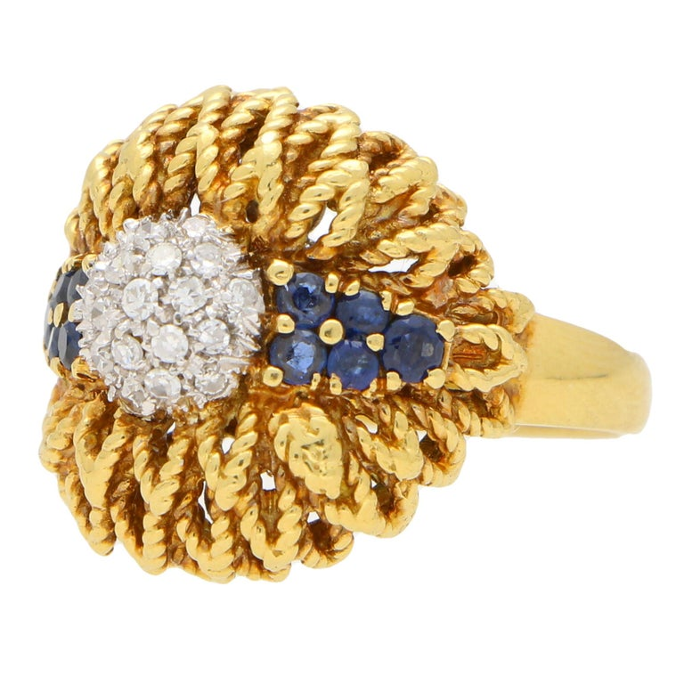 Round Cut 1960s Diamond and Sapphire Floral Cocktail Bombe Ring Set in 18 Karat Gold For Sale