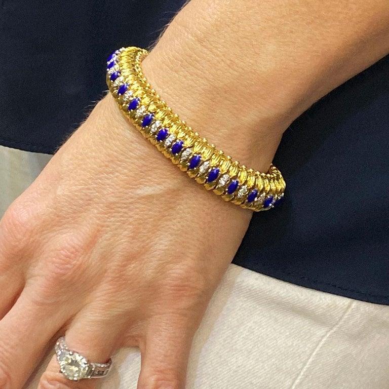 Women's 1960s Diamond Blue Enamel Flexible 18 Karat Yellow Gold Bracelet For Sale