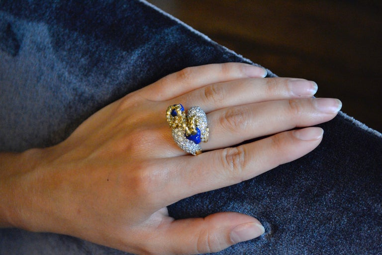 1960s Donald Claflin for Tiffany & Co. Carved Lapis and Gold Ram Ring In Excellent Condition For Sale In New York, NY