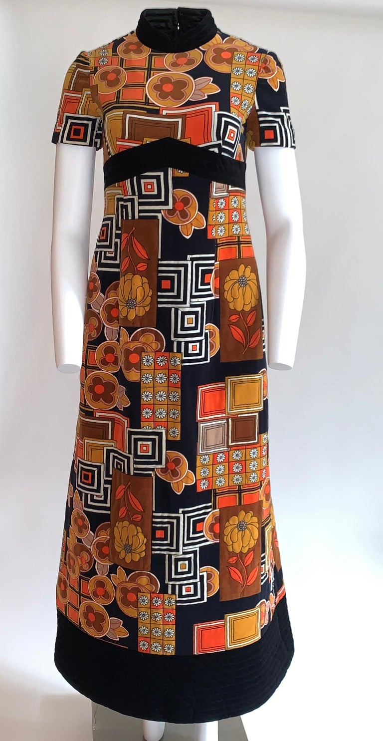 1960s Dynasty for I Magnin Floral Print Orange and Black Velvet Maxi Dress  In Fair Condition For Sale In San Francisco, CA