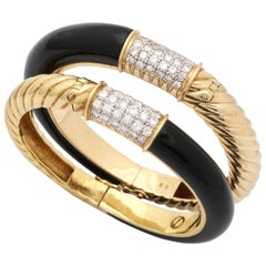 1960s Elegant Custom Cut Shiny Onyx with Diamonds Textured Gold Pair of Bangles