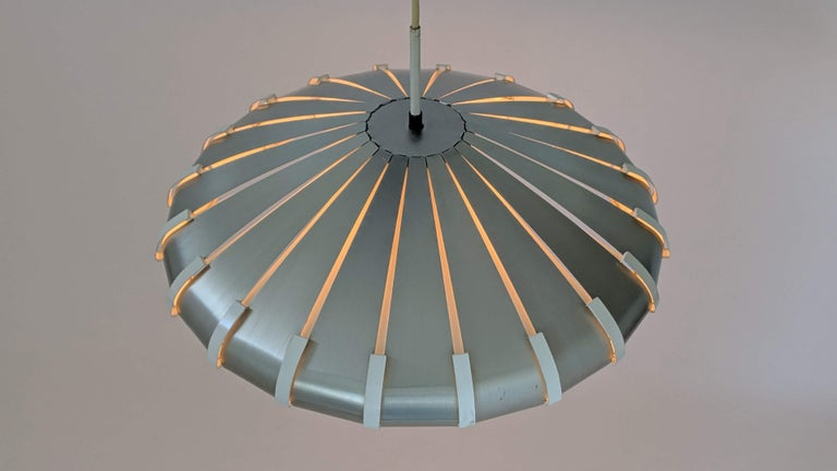 1960s Elio Martinelli Style Louvered Pendant, Italy For Sale 3