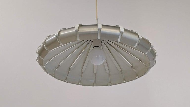 Aluminum 1960s Elio Martinelli Style Louvered Pendant, Italy For Sale