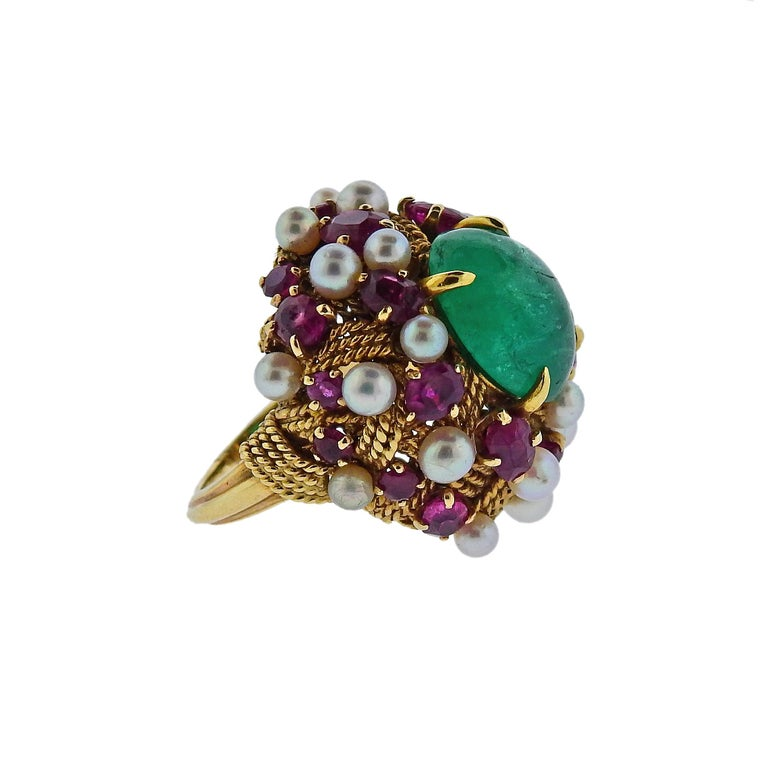 1960s Emerald Cabochon Ruby Pearl Gold Cocktail Ring In Excellent Condition For Sale In Lahaska, PA