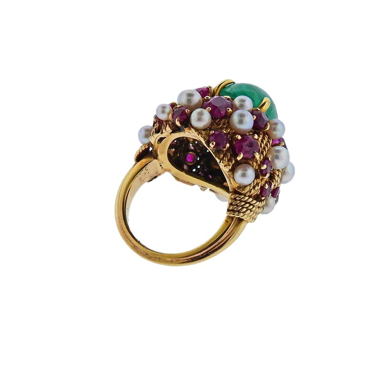 Women's or Men's 1960s Emerald Cabochon Ruby Pearl Gold Cocktail Ring For Sale