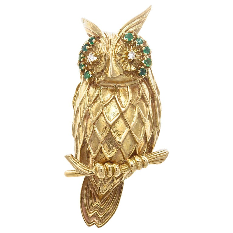 1960s Emerald Diamond 14 Karat Gold Owl Brooch For Sale