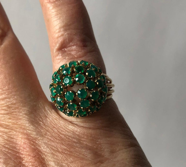 1960s Emerald Gold Starburst Ball Cocktail Ring For Sale 1