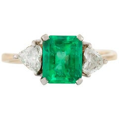 1960s Emerald with Two Heart Shape Diamonds Ring