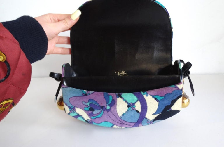 1960s Emilio Pucc Velveteen Floral Pattern Clutch In Good Condition For Sale In Scottsdale, AZ