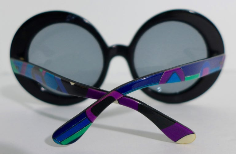 1960's EMILIO PUCCI Oversized Sunglasses with Iconic Print In Good Condition For Sale In Los Angeles, CA