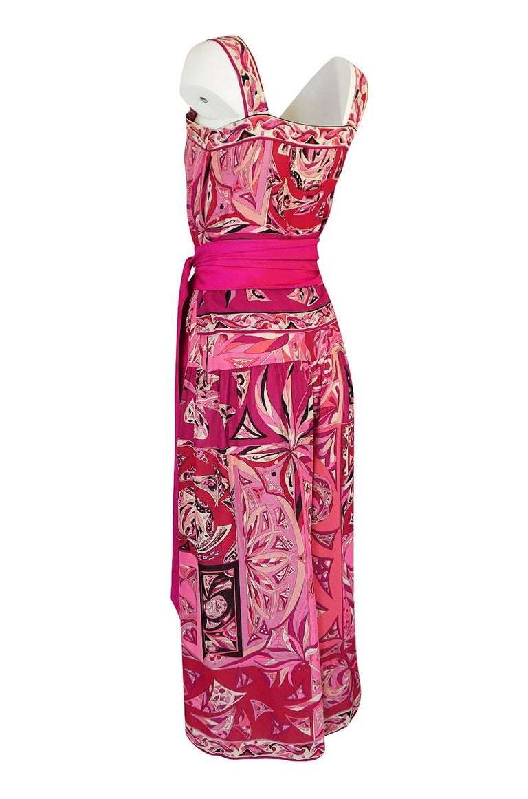 Women's 1960s Emilio Pucci Printed Pink Top, Sash & Cropped Pant Set For Sale