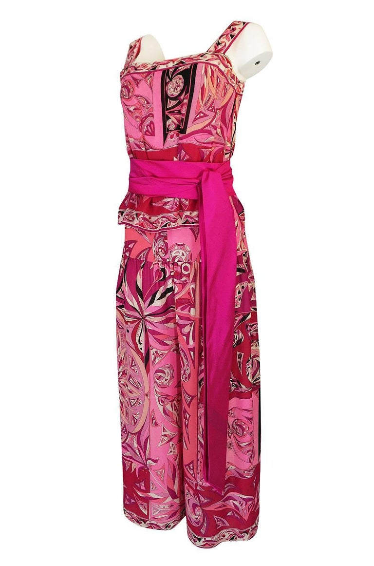 1960s Emilio Pucci Printed Pink Top, Sash & Cropped Pant Set For Sale 1
