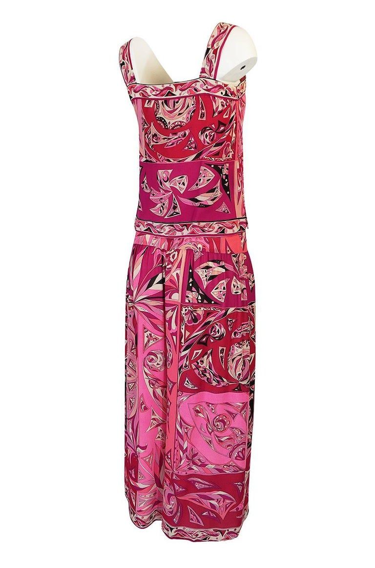 1960s Emilio Pucci Printed Pink Top, Sash & Cropped Pant Set For Sale 3