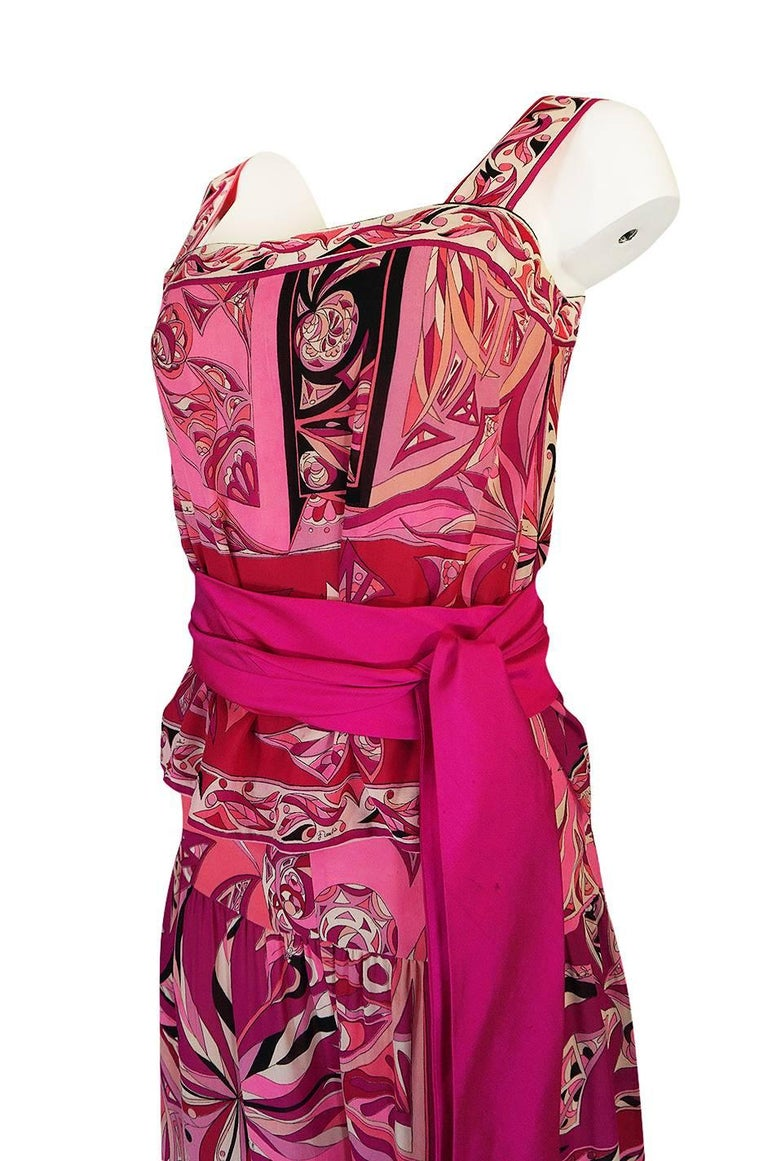 1960s Emilio Pucci Printed Pink Top, Sash & Cropped Pant Set For Sale 4