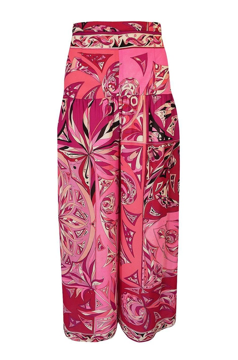 1960s Emilio Pucci Printed Pink Top, Sash & Cropped Pant Set For Sale 5