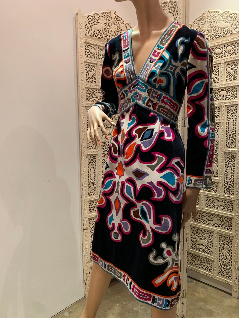 1960s Emilio Pucci Silk Print Jersey Knee-Length Dress W/ V-Neck Empire Waist  For Sale 7
