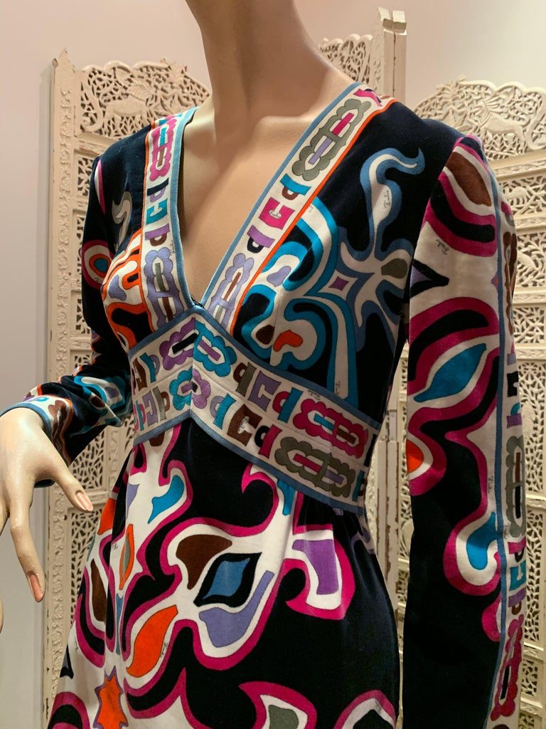 1960s Emilio Pucci Silk Print Jersey Knee-Length Dress W/ V-Neck Empire Waist  For Sale 8