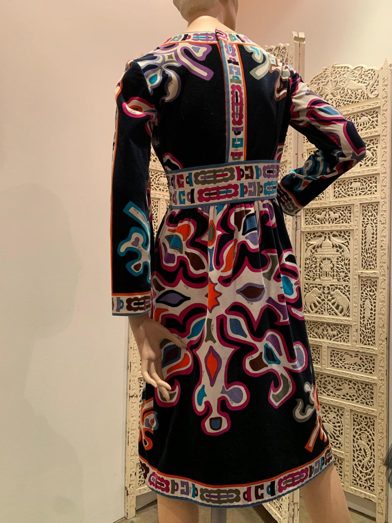 1960s Emilio Pucci Silk Print Jersey Knee-Length Dress W/ V-Neck Empire Waist  For Sale 2