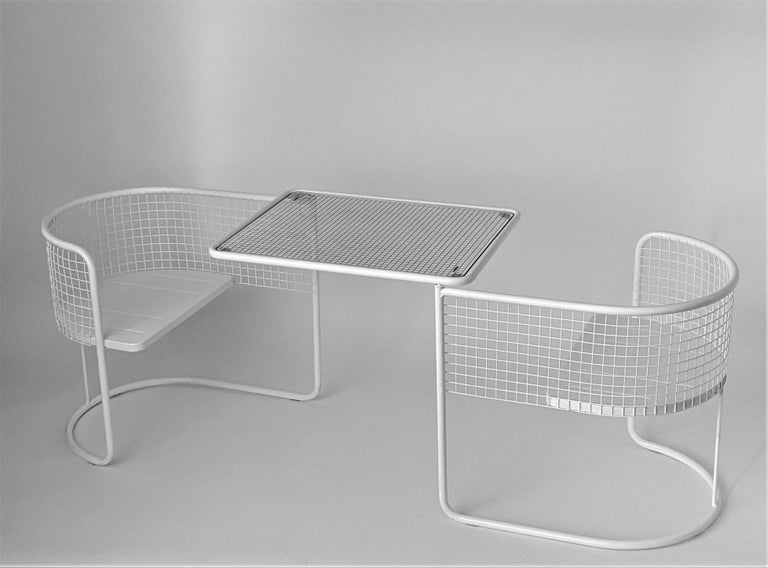 1960s EMU Pivoting Wire Chair Under Table System, Italy For Sale 2