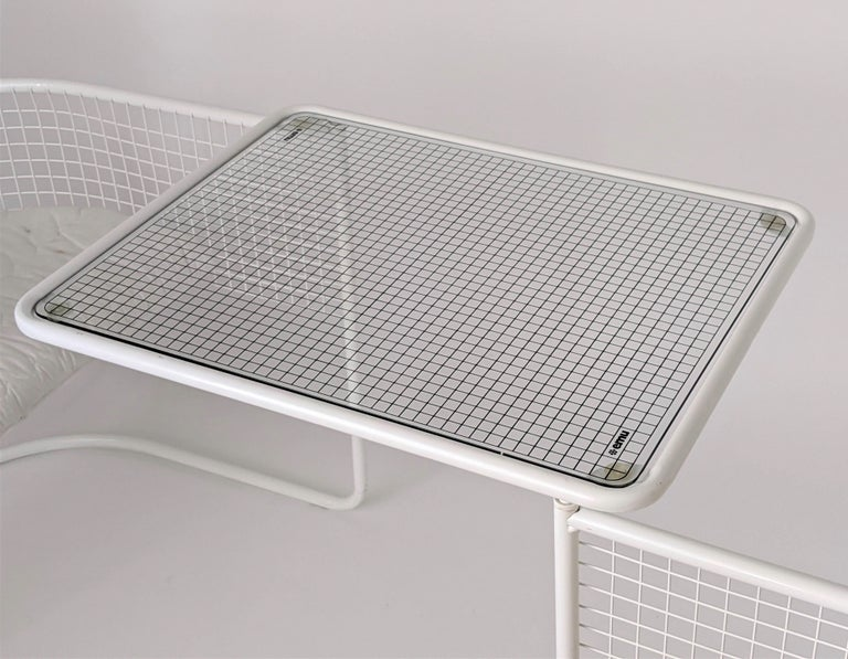Mid-20th Century 1960s EMU Pivoting Wire Chair Under Table System, Italy For Sale