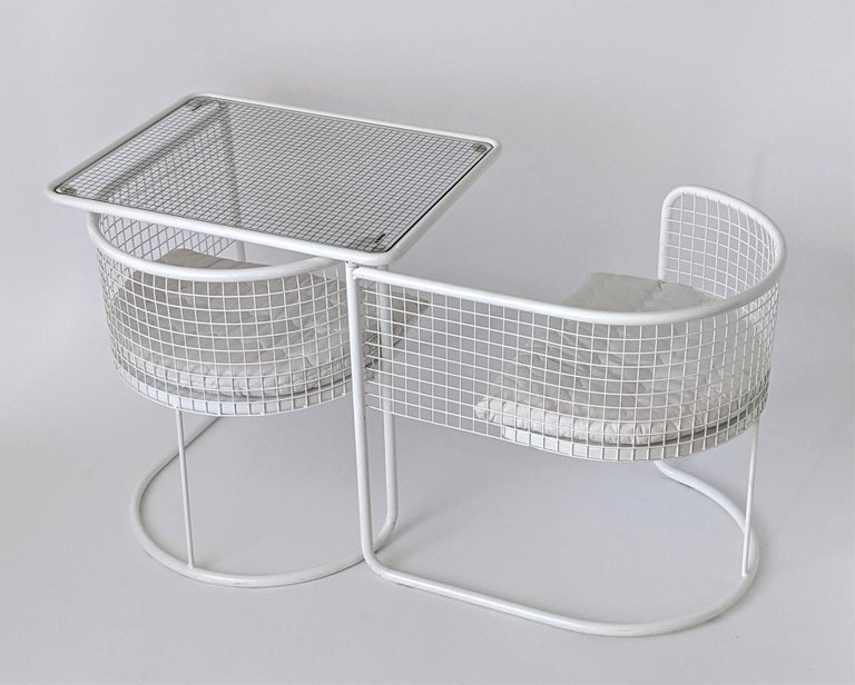 1960s EMU Pivoting Wire Chair Under Table System, Italy For Sale 1
