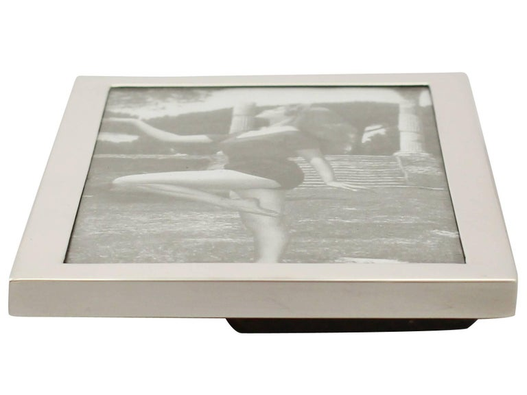 1960s English Sterling Silver Photograph Frame For Sale 2