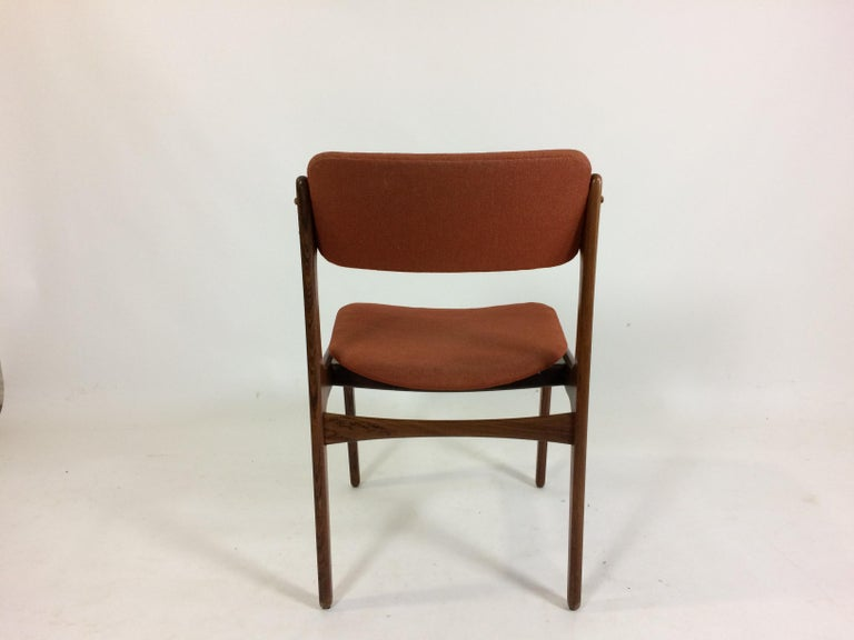 1960s Erik Buch Set of 12 Rosewood Dining Chairs, Inc. Re-Upholstery In Good Condition For Sale In Knebel, DK