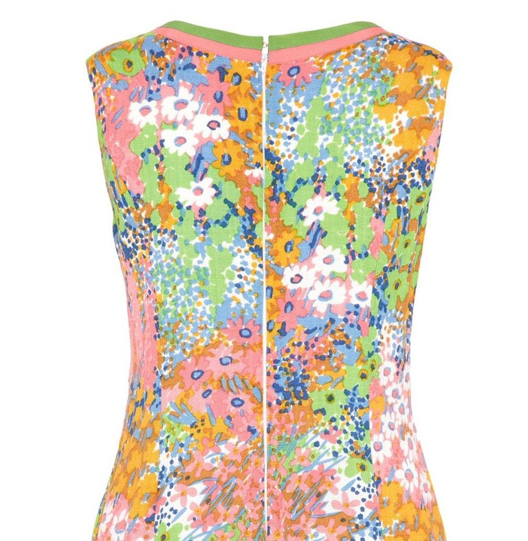 1960s Floral Print Linen Dress With Grossgrain Trim  In Excellent Condition For Sale In London, GB